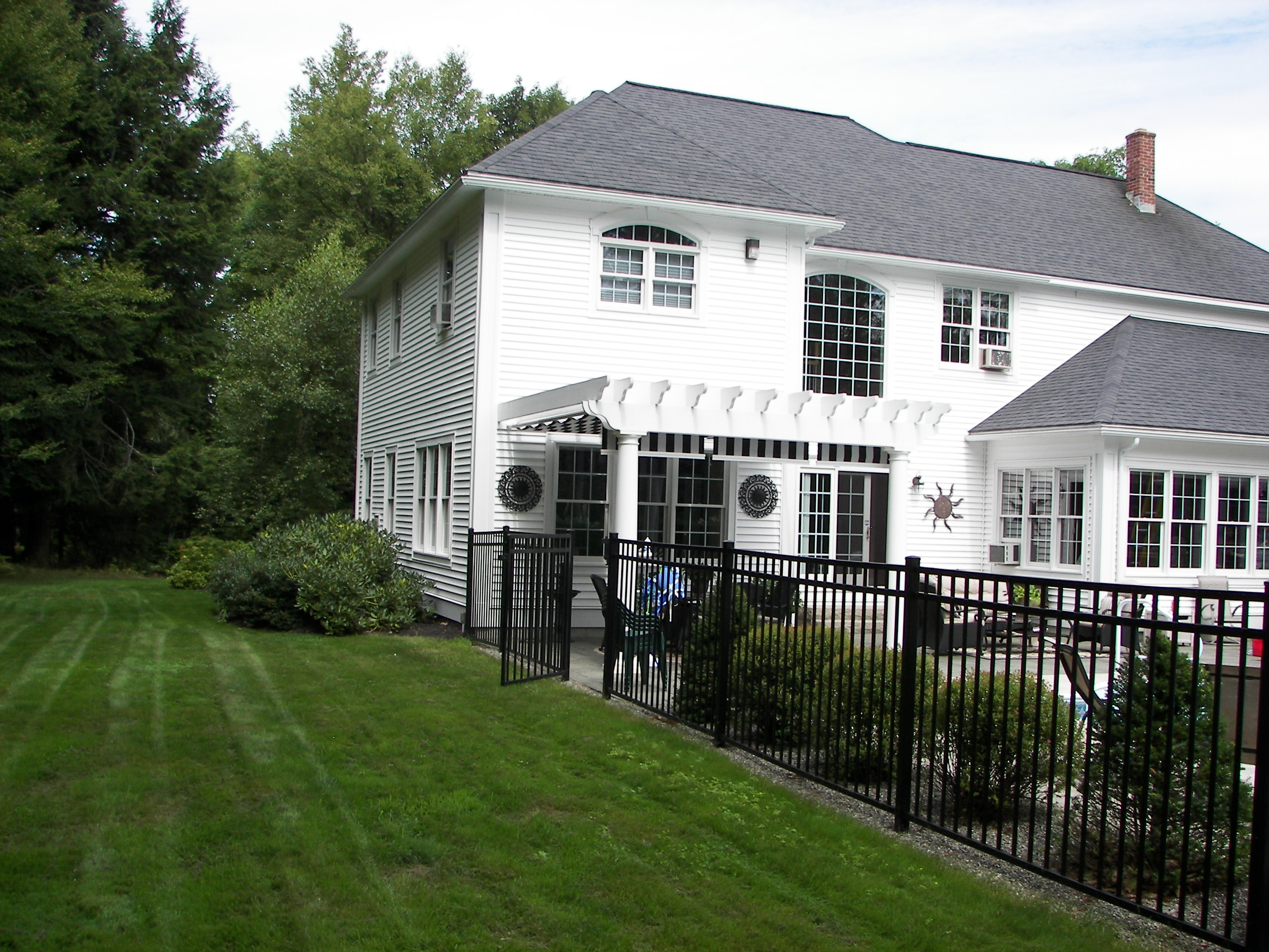 Colonial syle home attached 3 car garage with finished for Attached garage plans with living quarters