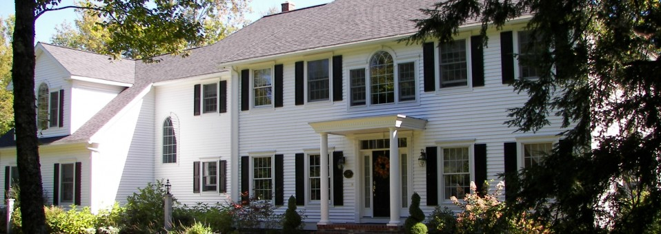 Colonial Syle Home & Attached 3-Car Garage with Finished Living Quarters – New Construction